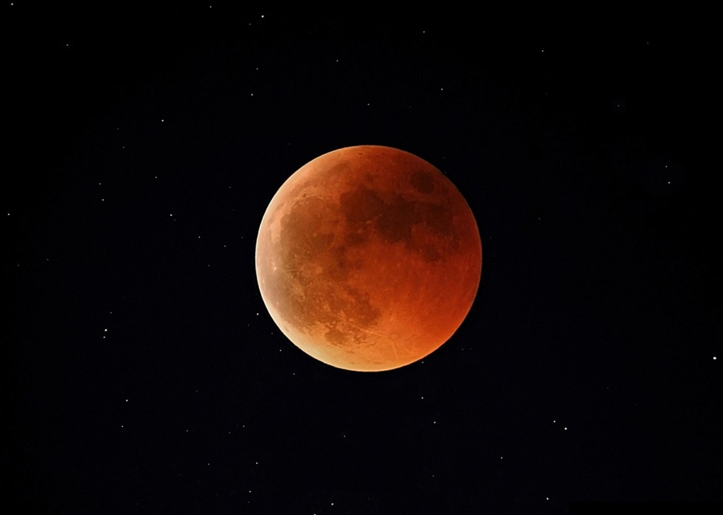 Moon_Eclipse_15-06-2011_C.Zannelli